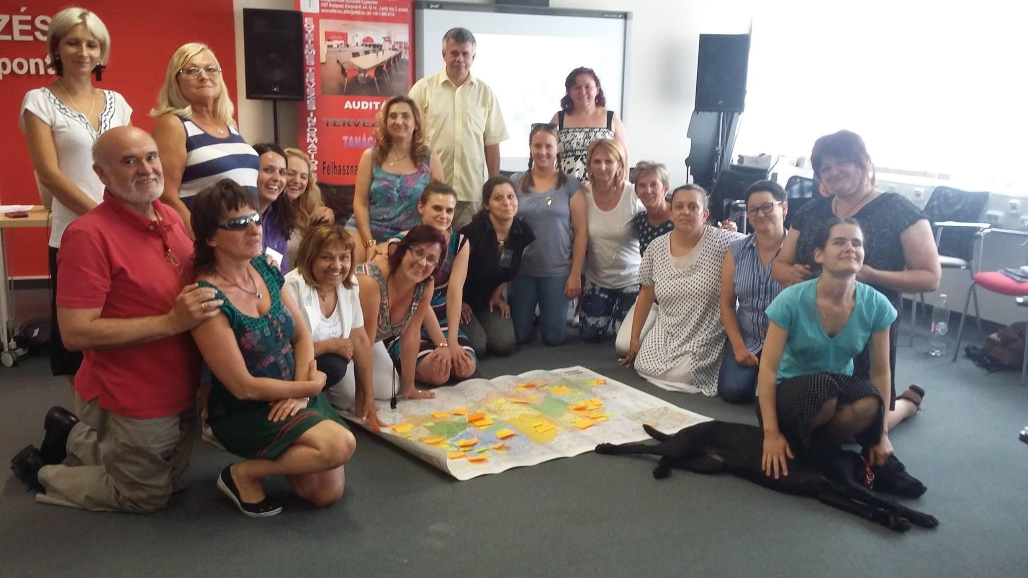 A képen a képzésben résztvevők láthatóak, köztük S. Tóth Erika kolléganőnk is