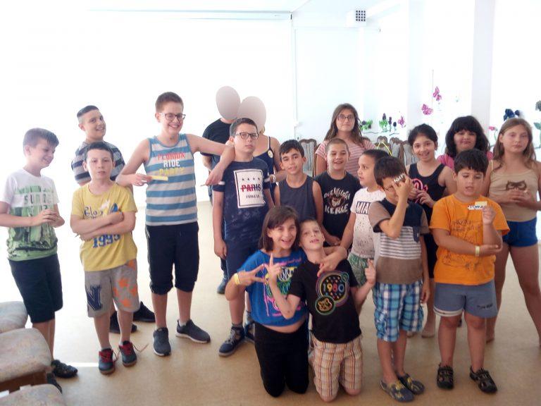 A képen az angyalföldi érzékenyítésen résztvevők láthatóak
