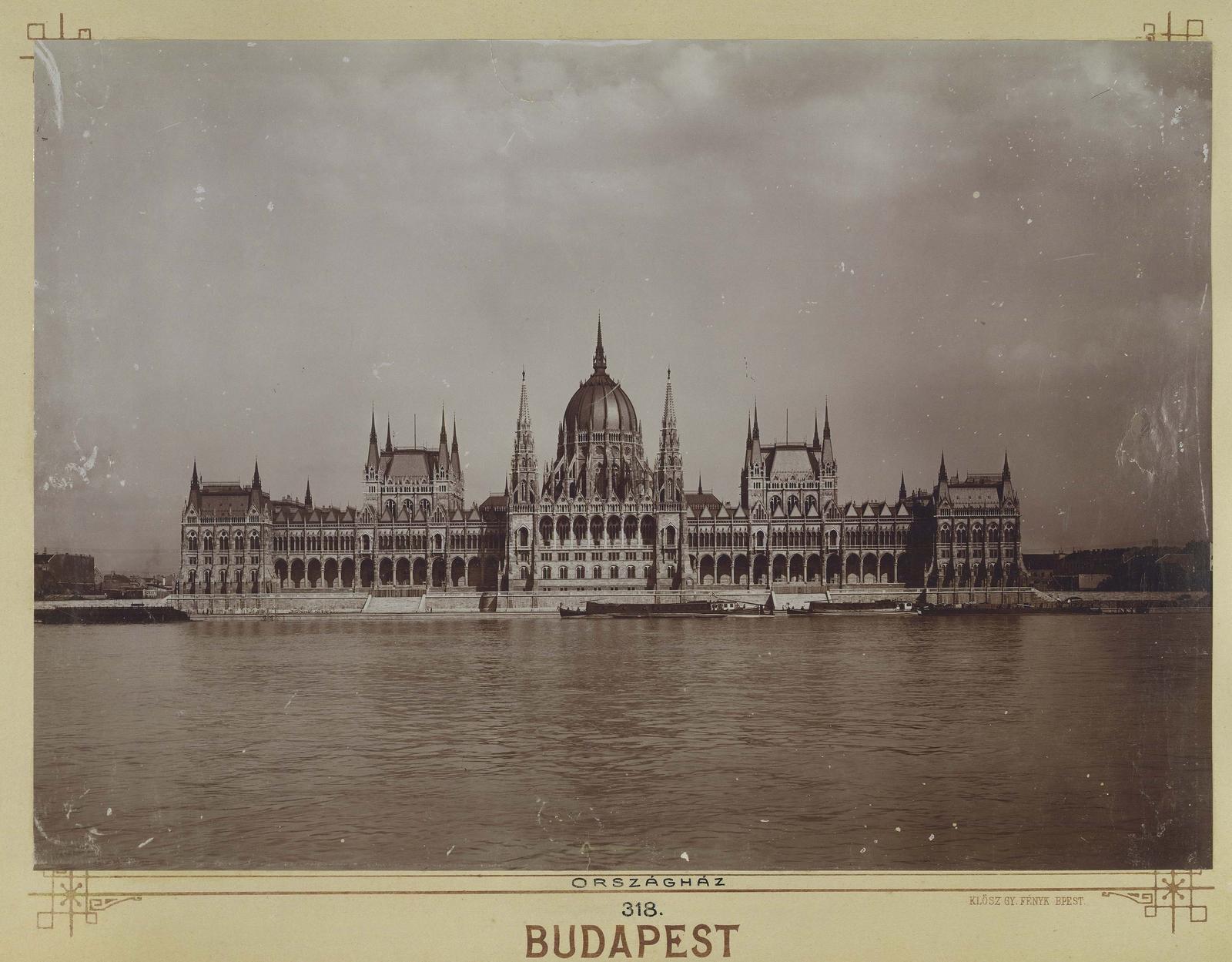 Klösz György felvétele az Országházról