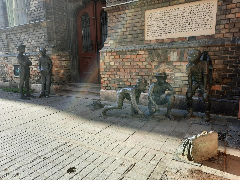 Szanyi Péter: Pál utcai fiúk szobra