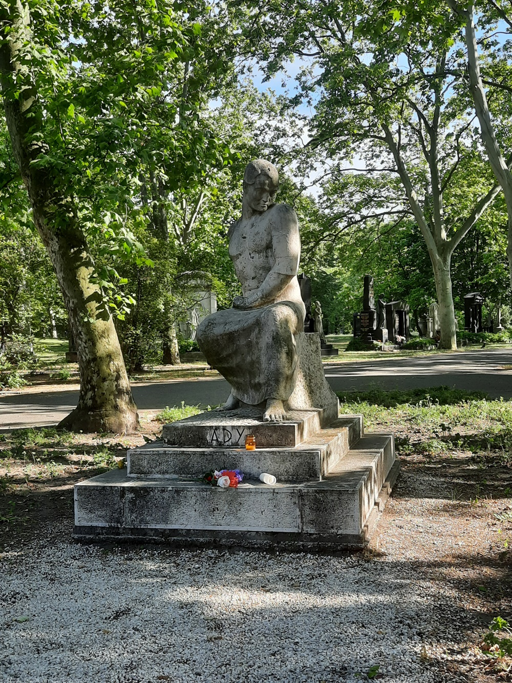 Ady Endre síremléke