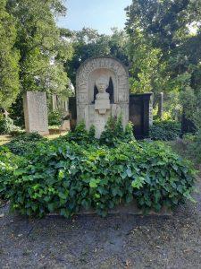 Móricz Zsigmond síremléke